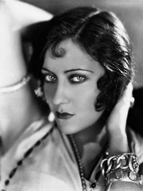Sadie-Thompson-Gloria-Swanson-1928[1]