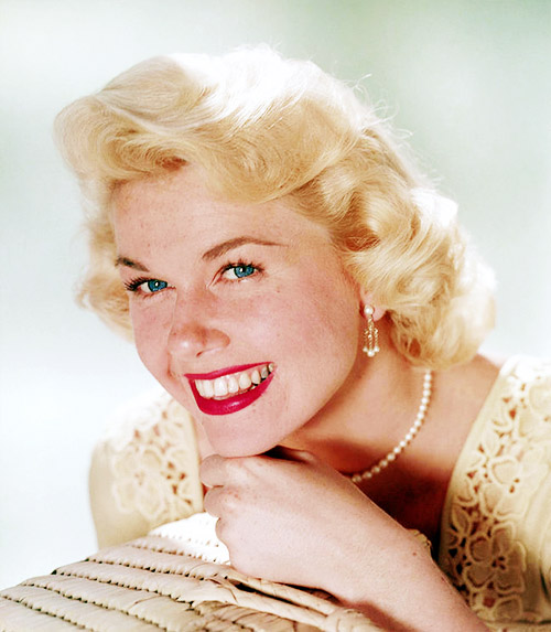doris day aTh691qzjidwo1_500[1]