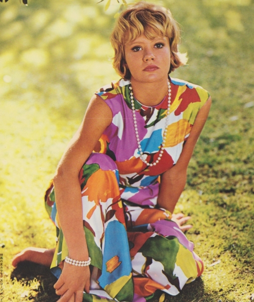HAYLEY MILLS eC1so5ik5o1_1280[1]