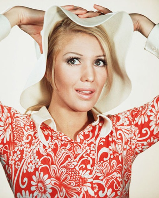 ANNETTE ANDRE STARS IN RANDALL AND HOPKIRK (DECEASED).