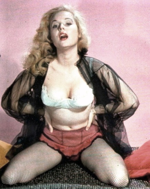 betty brosmer F85H1qa3yjmo1_400