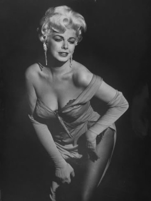 barbara-nichols-in-the-play-the-untouchables-