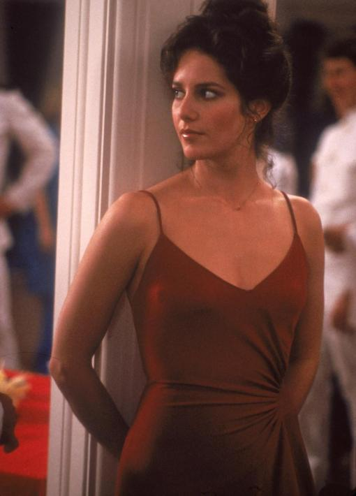 debra-winger-in-an-officer-and-a-gentleman-(1982)-large-picture