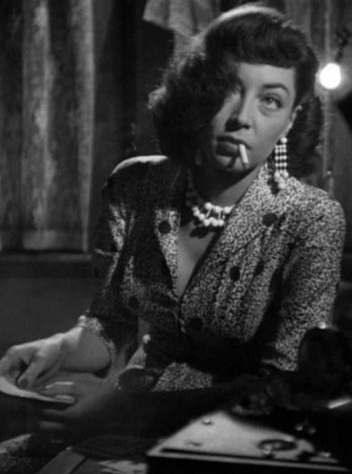 Marie_Windsor_dangling_The_Killing_1956_zps529349ee