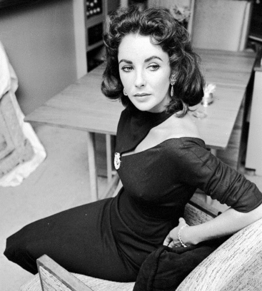 Actress Elizabeth Taylor is photographed at home on February 20, 1957, in Beverly Hills, California. Foto: CBS/Landov +++(c) dpa - Report+++