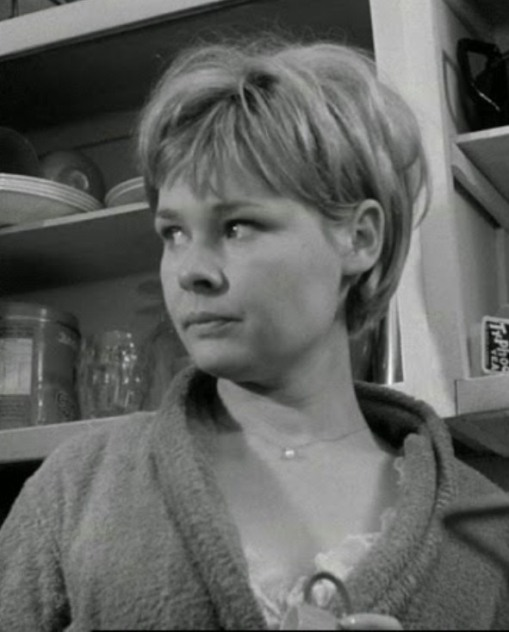 Judi Dench - Four in the Morning (1965) kitchen