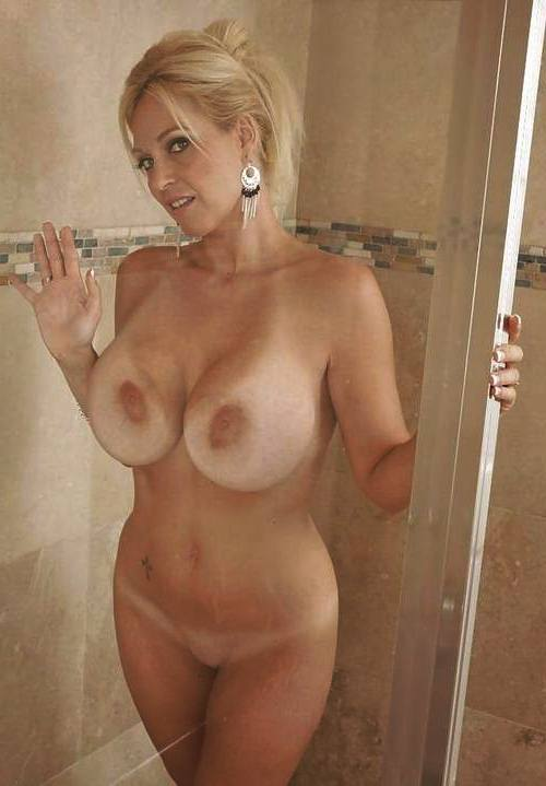 free milf friends mom in shower