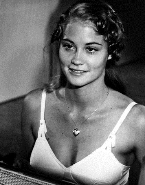 cybill_shepherd_the_last_picture_show_1971_XgNQ3eQ.sized