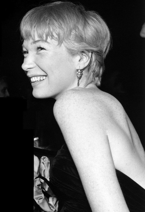 shirley mc laine 1ssmf0ao1_1280 - copia