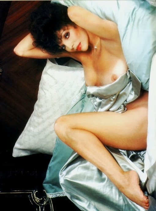 joan-collins-playboy-december-1983-05