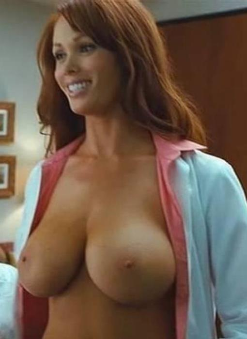 christine-smith-topless-breasts-squeezed-by-cameron-diaz-6187-12