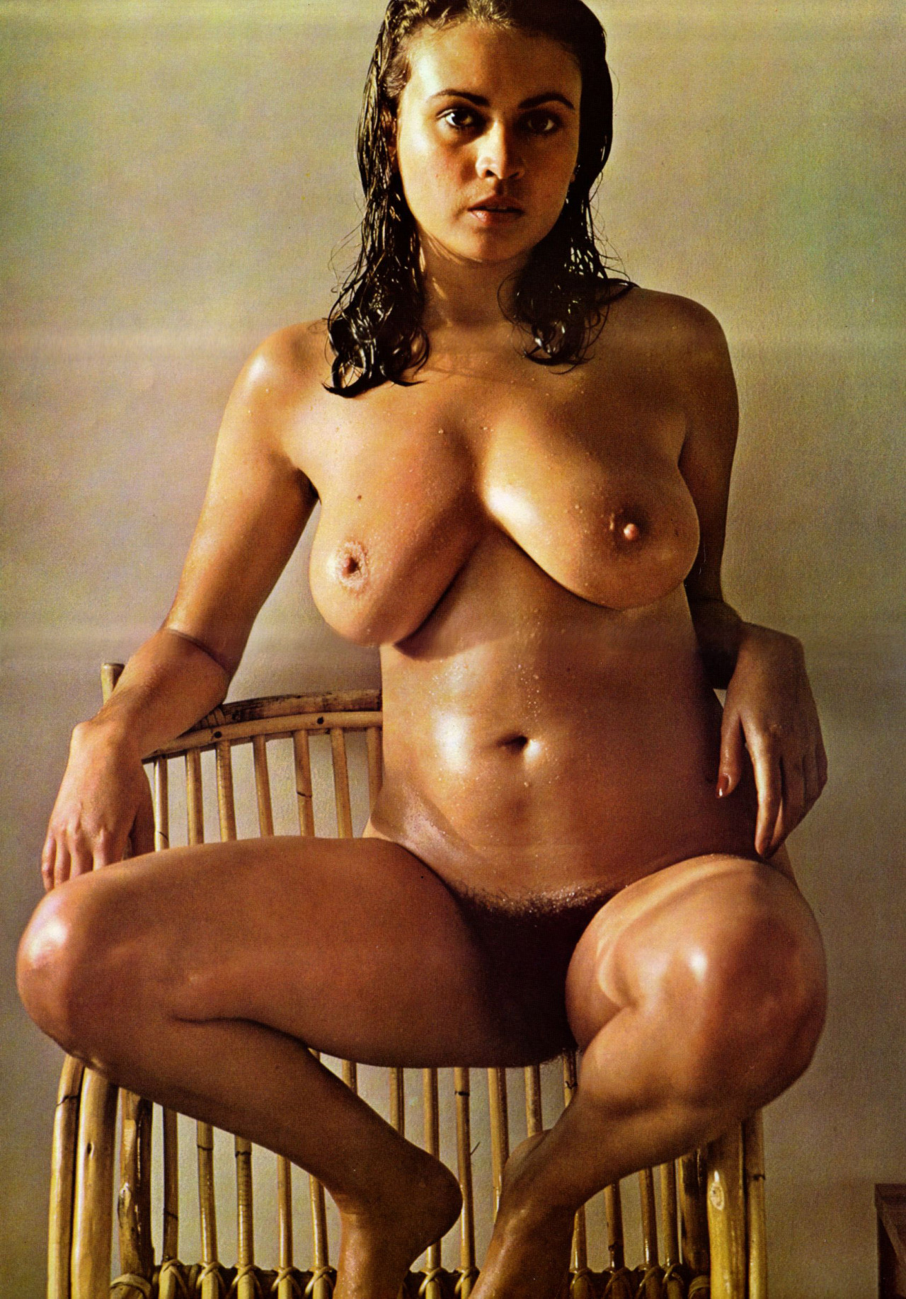 from Nasir only hot girls naked